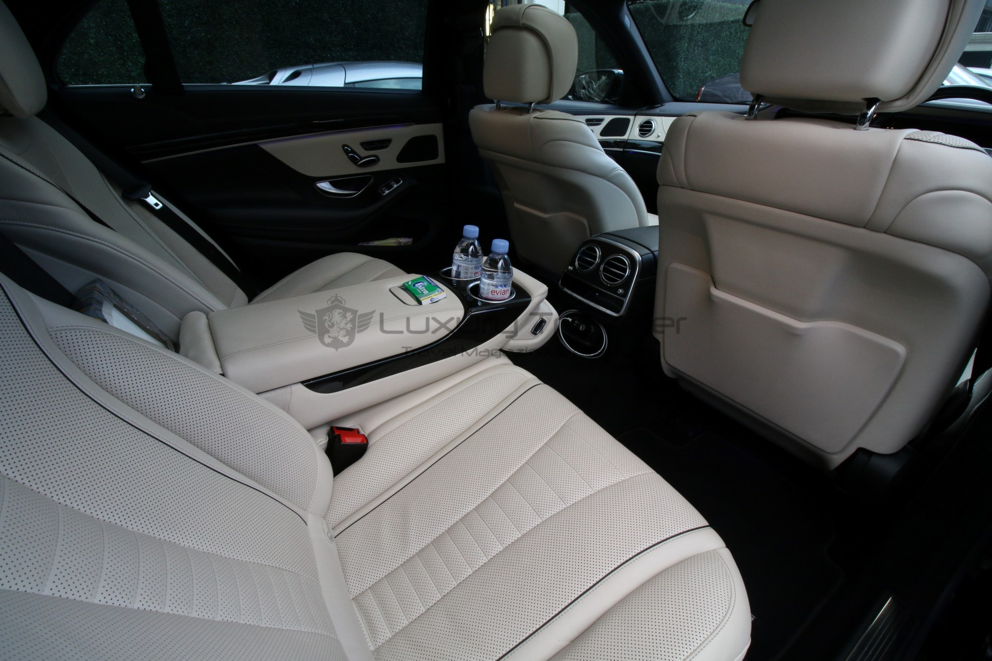 46-luxury_mercedes_transfers_london_airport