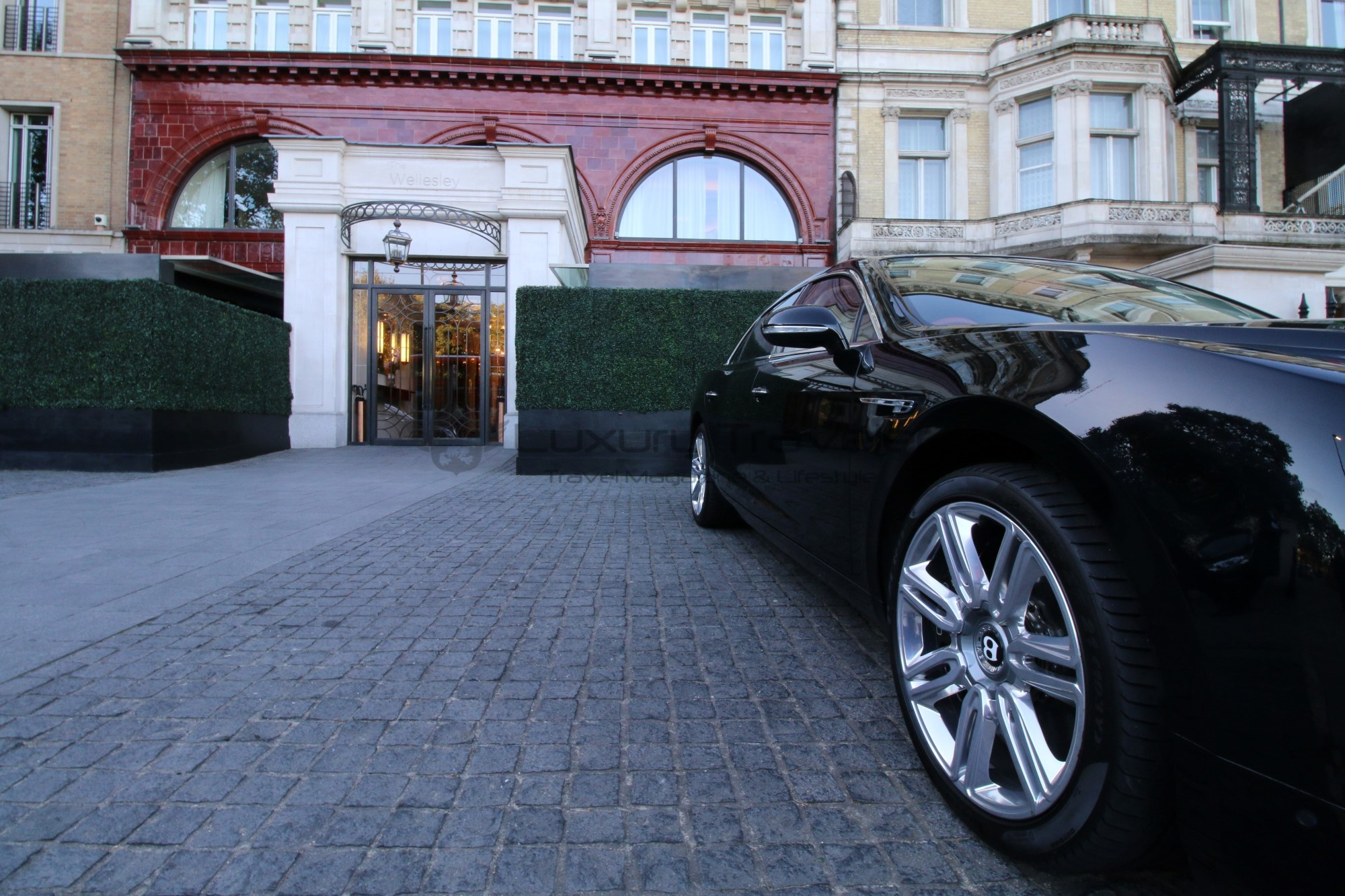 6-season_chauffeur_hire_london_luxury_hire