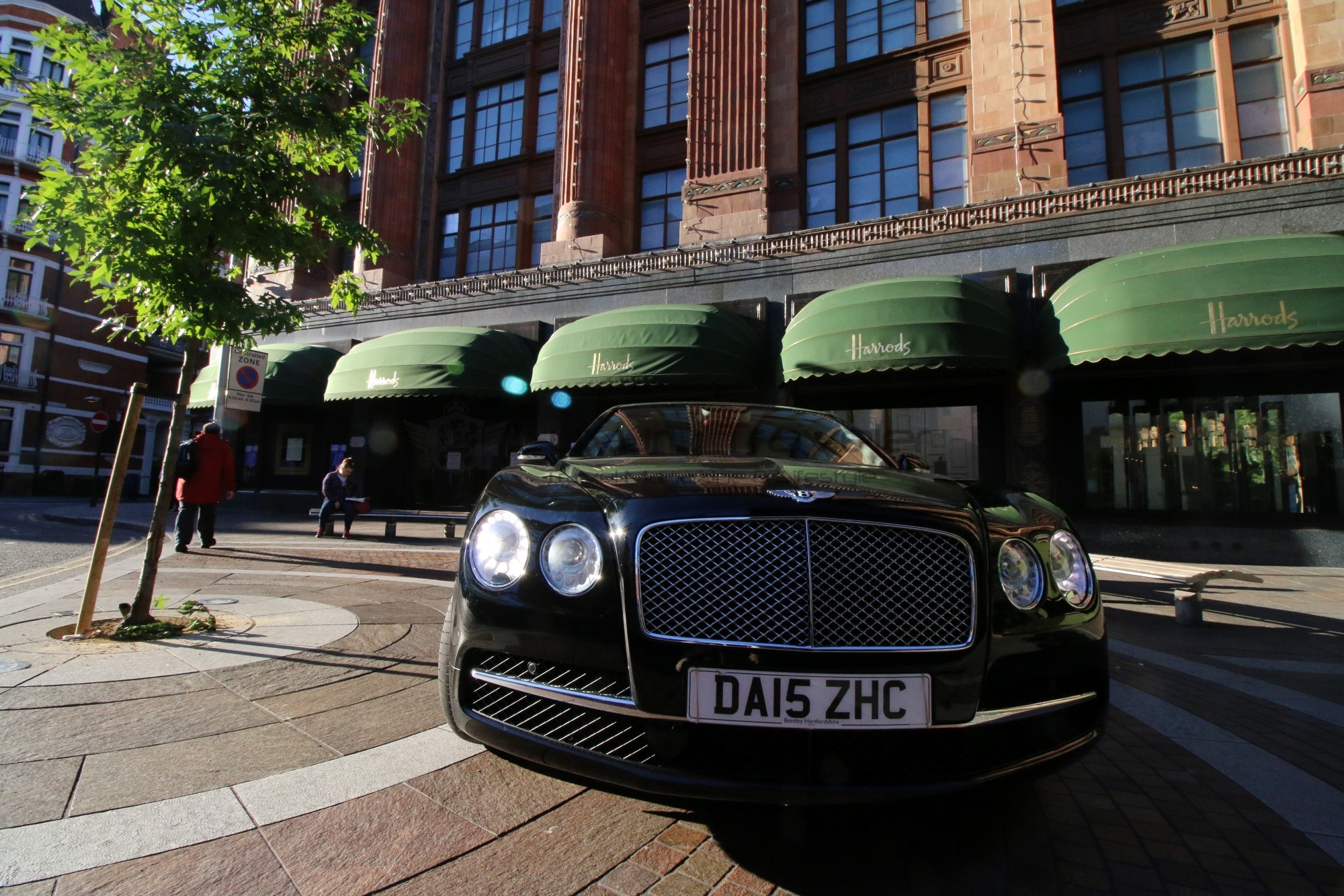 36-driver_hire_uk_transfer_vip_bentley