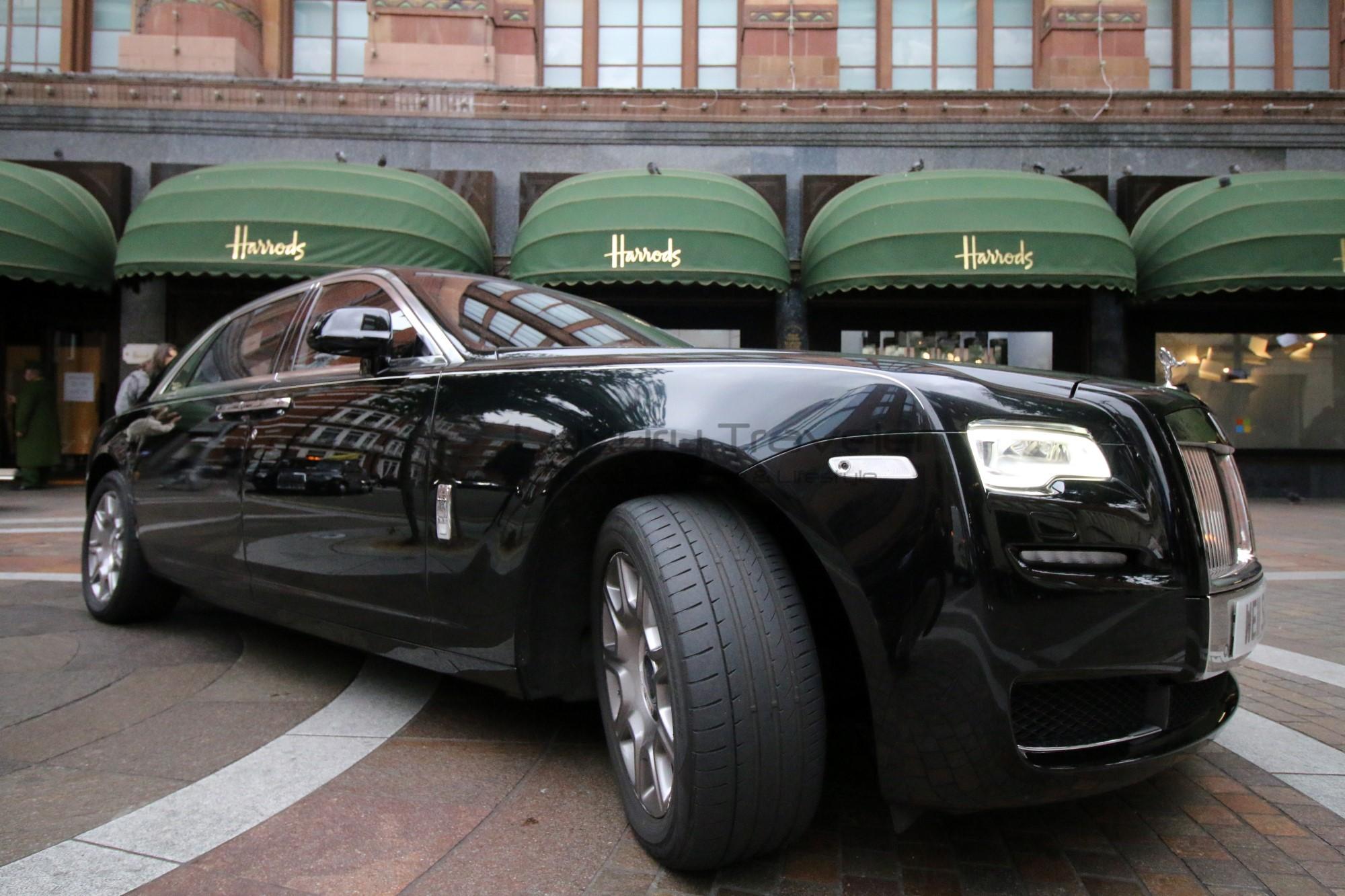 12-rolls_royce_london_uk_harrods_wellesley_hotel