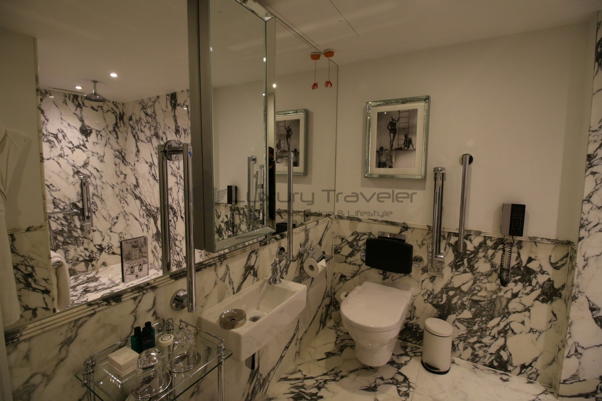 33-the_wellesley_hotel_london_bathroom