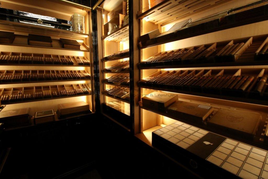 201-cigar_room_wellesley_hotel_london