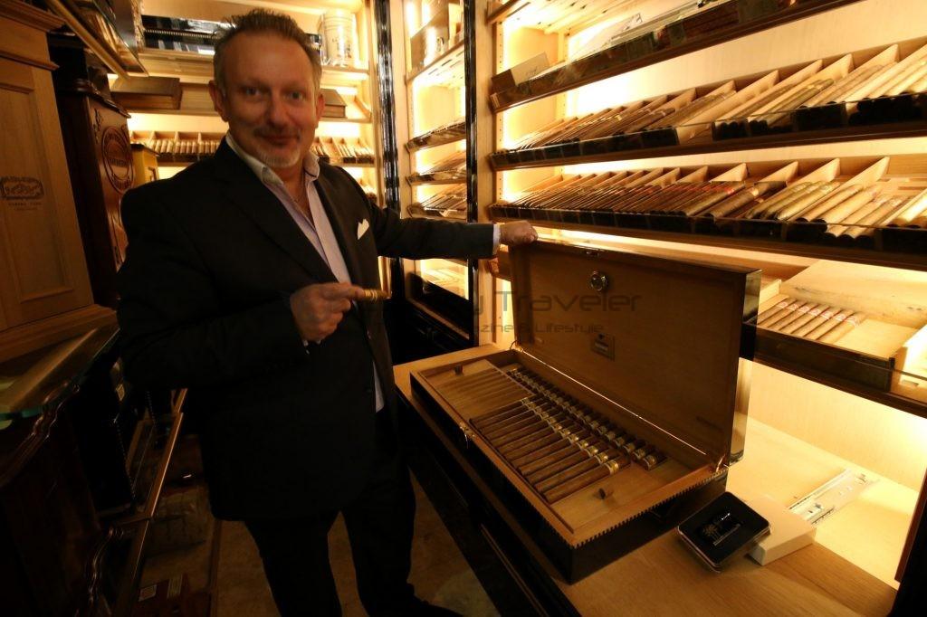 203-cigar_wellesley_hotel_london_uk_knightsbridge