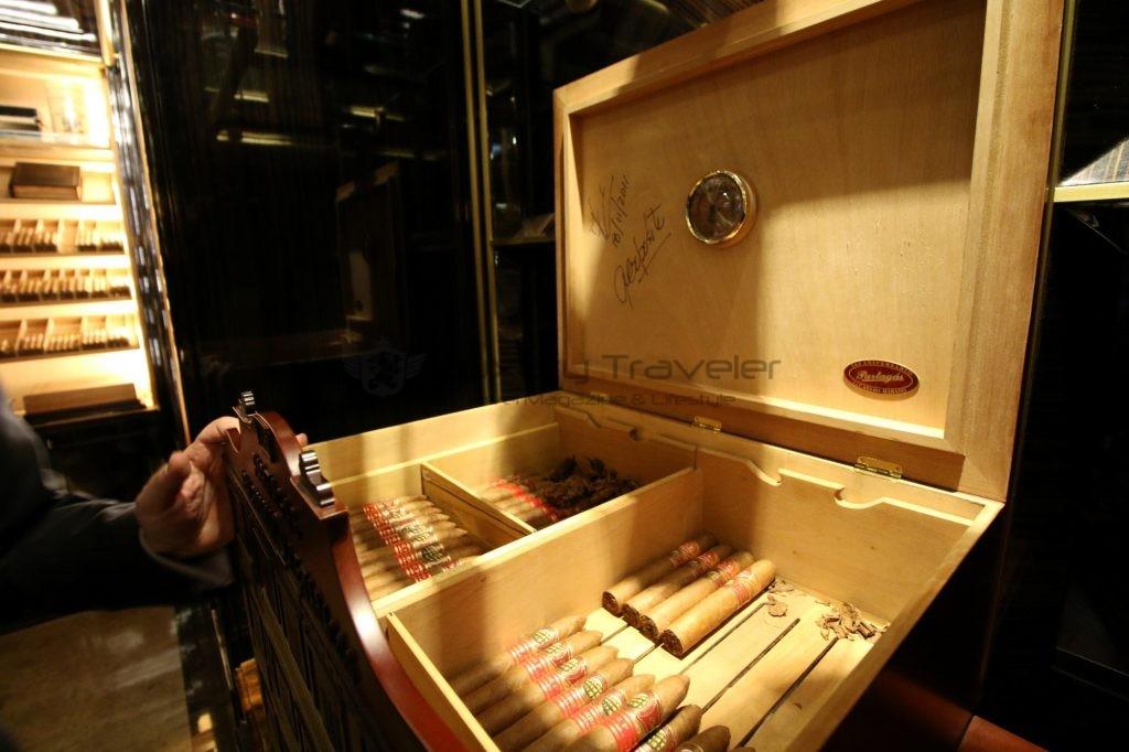 207-wellesley_hotel_london_cigar_room_3