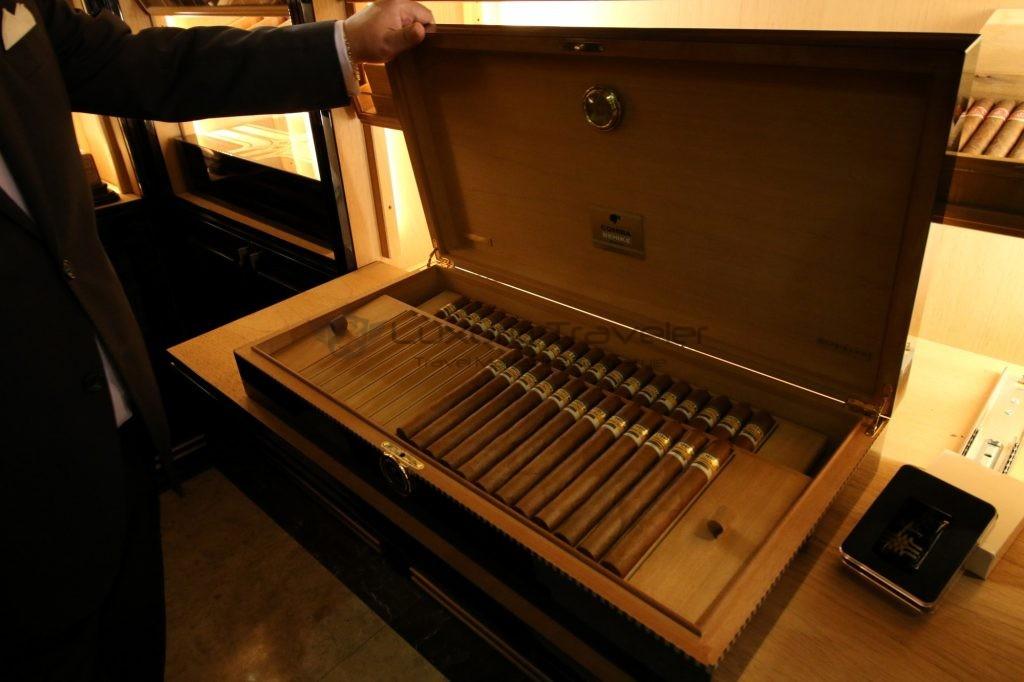 208-wellesley_hotel_cigar_room_1