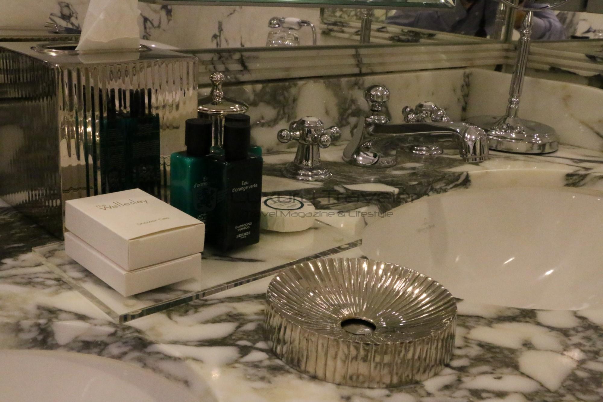 94-the_wellesley_hotel_london_bathroom_suites