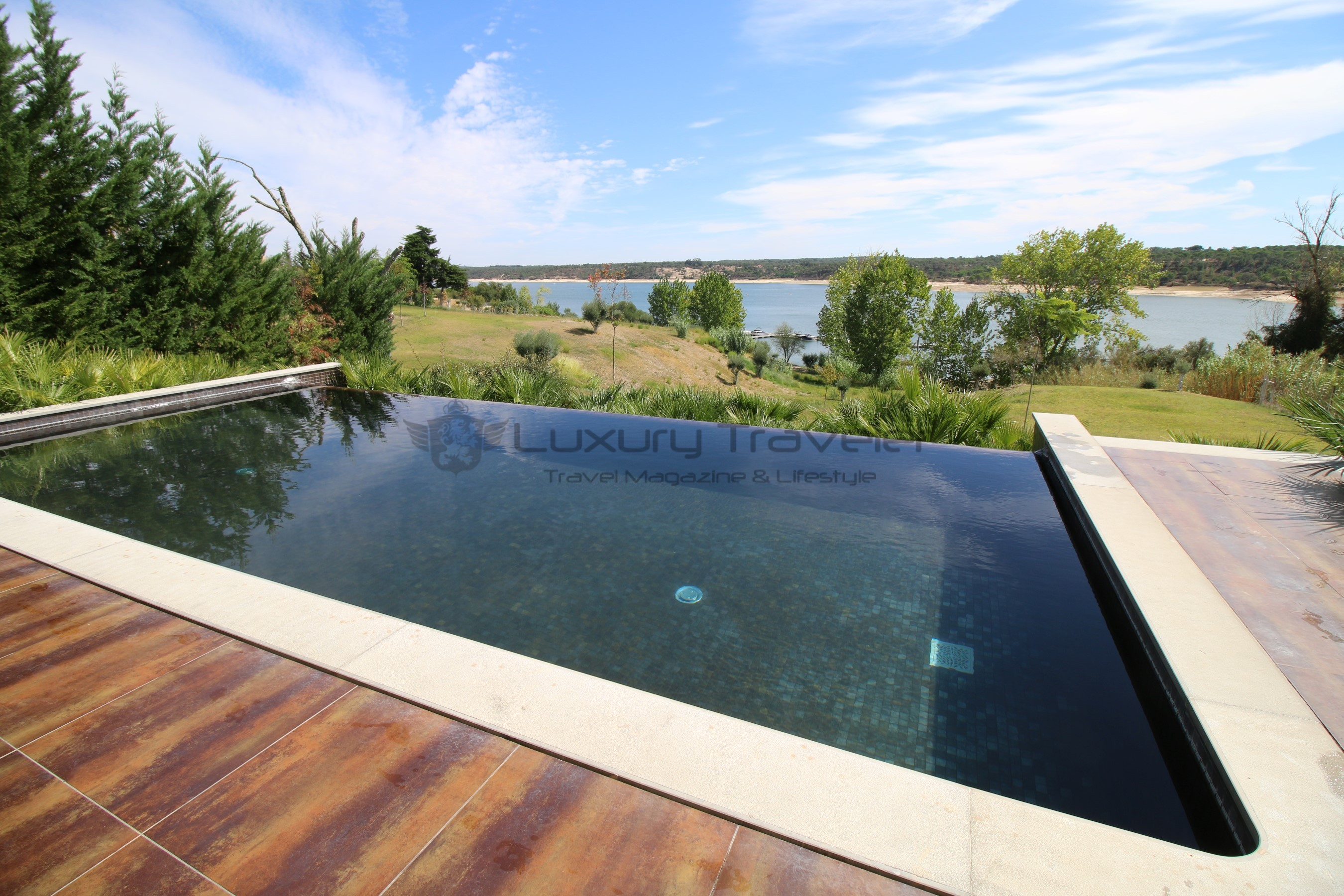 Villas_Lago_Montargil_Portugal_Luxury_Hotel_Pool