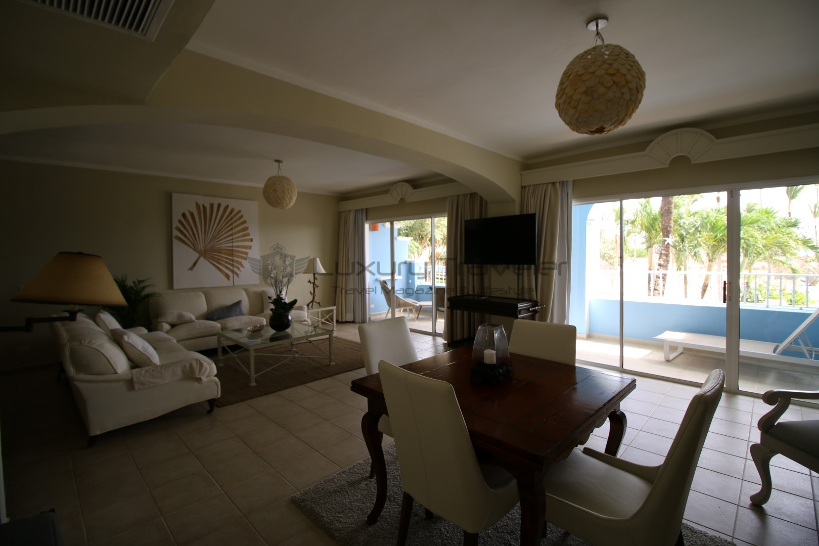 Iberostar_Hacienda_Dominicus_Resort_Republica_Dominicana_Suite_Living_Room