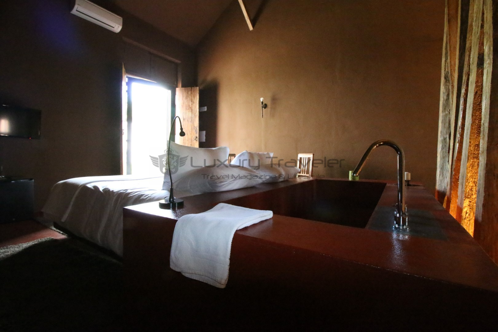 Luxury_Hotel_Royal_Cocoa_Company_Palace_Suite.JPG